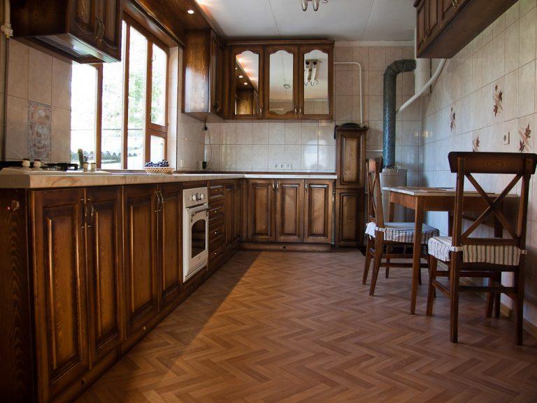 Правила подбора линолеума на кухню